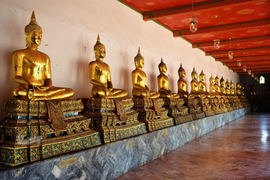 The Colonnades - Wat Pho