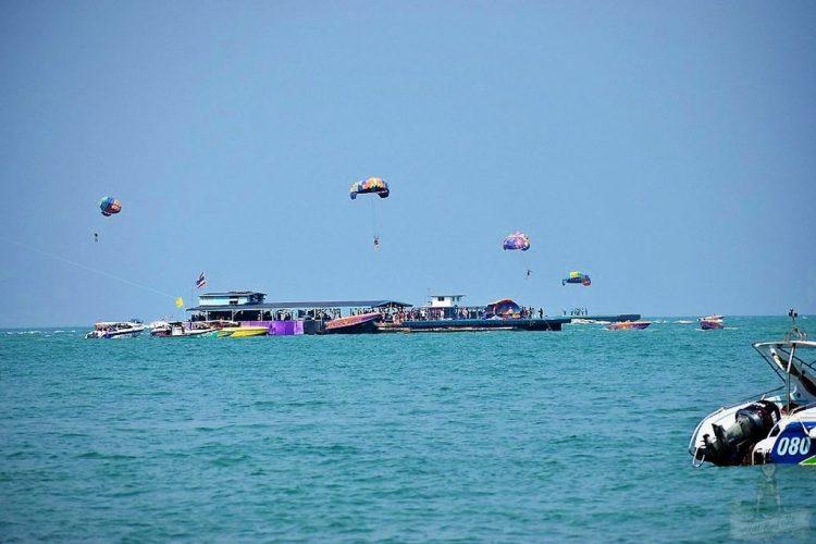 Pattaya activities - Pattaya attractions - Water sports - Koh Larn
