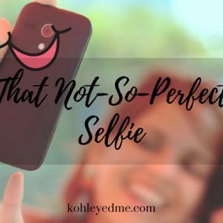 Selfie indiblogger kohleyedme.com mobiistar