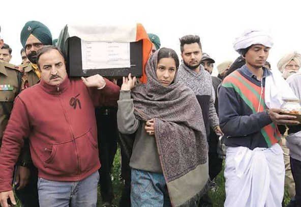 daughter-of-martyr-fateh-singh-pays-tribute-to-her-father-in-gurdaspur