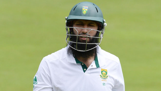 hashim-amla-refuses-to-give-interview-to-underdressed-indian-tv-anchor