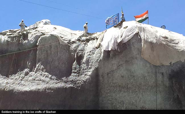 10-soldiers-missing-after-avalanche-in-siachen-in-ladakh