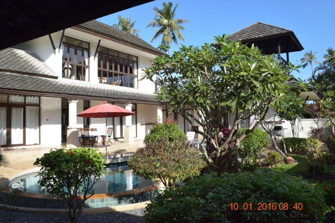 P9 Coconut Paradise Balinese Style 4 Bedroom Villa with Private Pool within Walled Garden