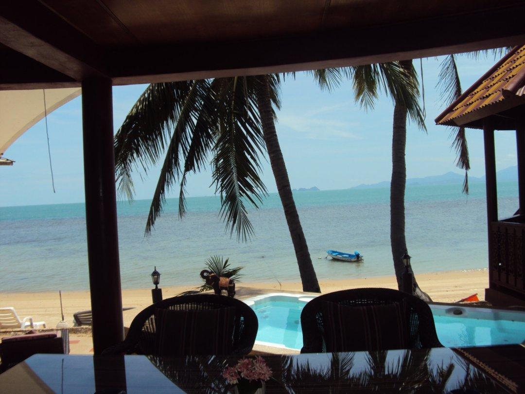 R1 Coconut River Beachfront Villa with Private Pool and Jaccuzzi