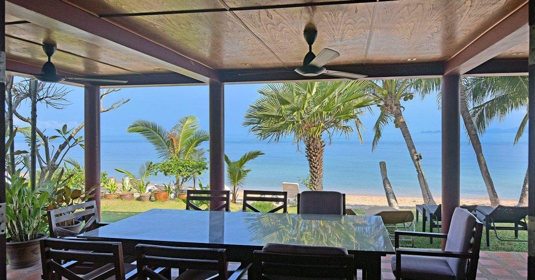 R2 Coconut River Beachfront Villa