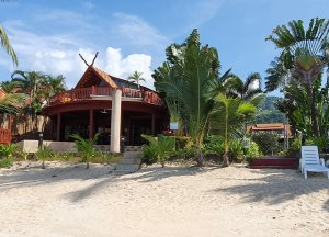 R1 Coconut River Beachfront Villa