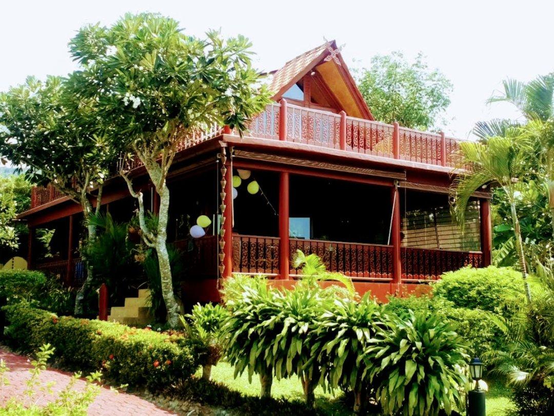R6 Coconut River Thai Style Beachside Villa