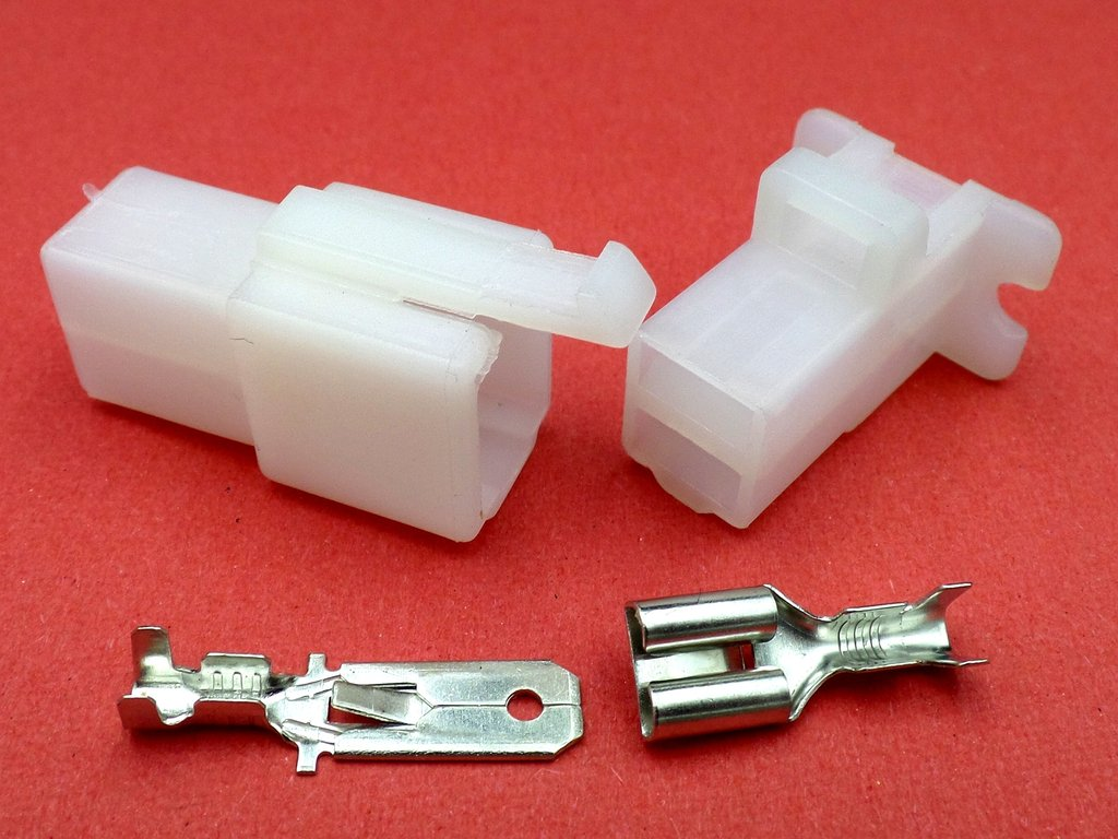 6 3mm 2 Way White Automotive Wiring Loom Cable Connector
