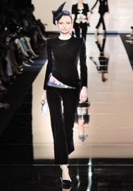 armani-prive-couture-fw-2011-009_105442483561