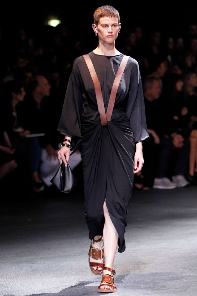givenchy-rtw-ss2014-runway-15_182019728898