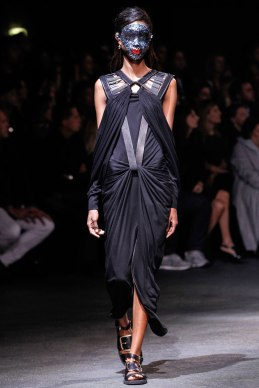 givenchy-rtw-ss2014-runway-36_182035629643