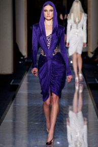 atelier-versace-fall-2014-couture-03_180756229020
