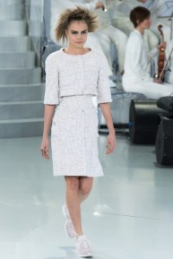 chanel-spring-2014-couture-01_104725234897