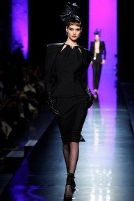 jean-paul-gaultier-spring-2014-couture-runway-04_122006242416