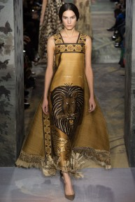 valentino-spring-2014-couture-runway-20_164022331577