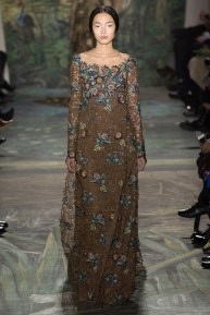 valentino-spring-2014-couture-runway-38_164037276341