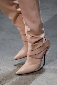 narciso-rodriguez-rtw-fw2014-details-30_000514173216