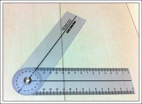 簡易型のプラスチックのゴニオメーター2