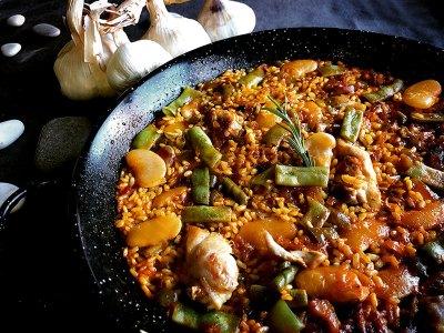 Paella Valenciana. Chef Koketo