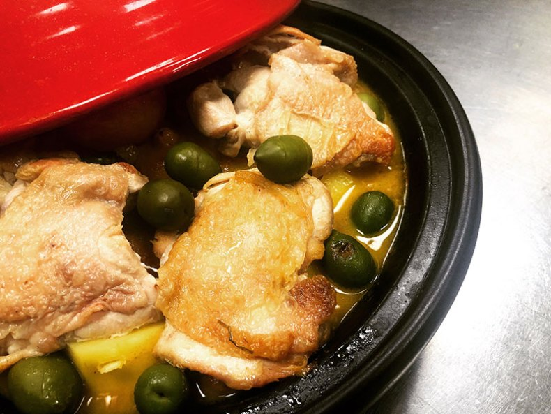 Tajín de pollo al limón con aceitunas. Chef Koketo