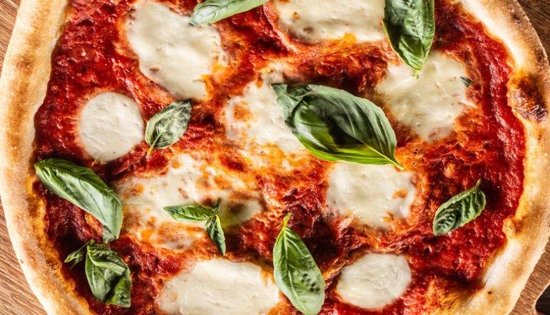 Pizza italiana. Chef Koketo