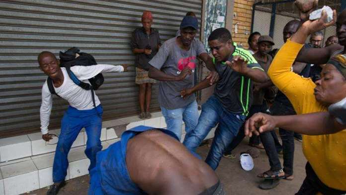 Xenophobic Attacks Continues In South Africa, 300 Nigerians Register For Evacuation 2