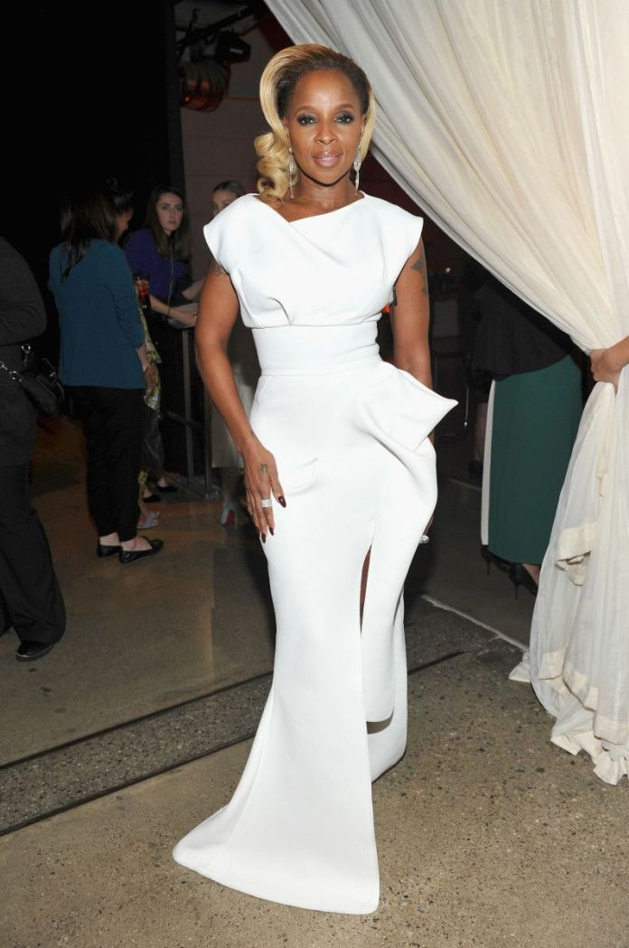 Style Stalking: Mary J. Blige Looks Angelic In Maticevski White Dress And Giuseppe Zanotti Heels 1