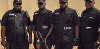 ikorodu residents boo sars officials