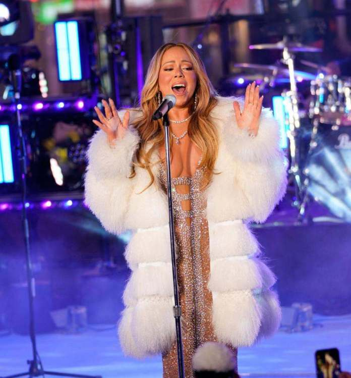 She's Back! Mariah Carey Redeems Herself With Amazing Performance After Last Year's Rockin' Eve Debacle 3