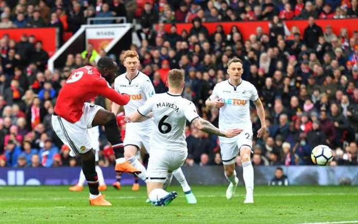 Manchester United 2 Swansea 0: Alexis Sanchez And Romelu Lukaku Score To Defeat Sorry Swans 3
