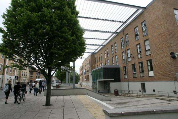First Class Graduate Sues Anglia Ruskin University Over Her 'Mickey Mouse' Degree 3