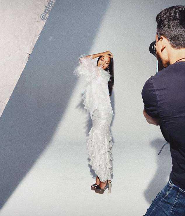Senorita! Zoe Saldana Is A Natural Beauty As She Covers GlamourMexico 3