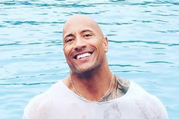 This Viral Photo Of Dwayne Johnson And His Daughter Tia, On Her First Birthday Is So Cute! 1