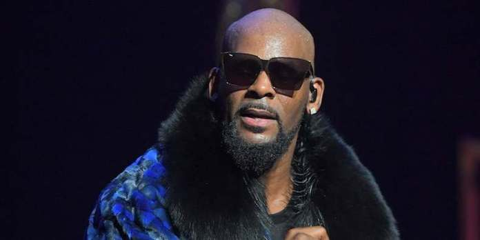 OMG! R Kelly Currently Investigated In Detroit For Allegedly Raping A Girl From 13 To 17 And Infecting Her With Herpes 1