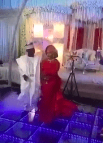 Lol! Watch The Moment A Groom Abandoned His Bride On Stage After Indoor Fireworks Went Off 2