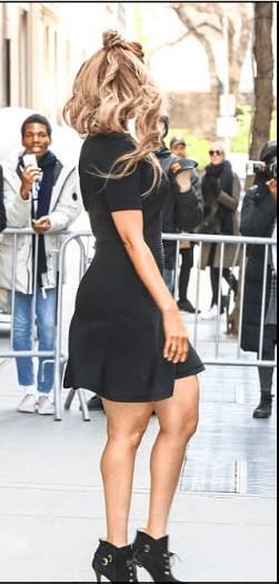 Style Stalking! Tyra Banks Stuns in flirty LBD 3