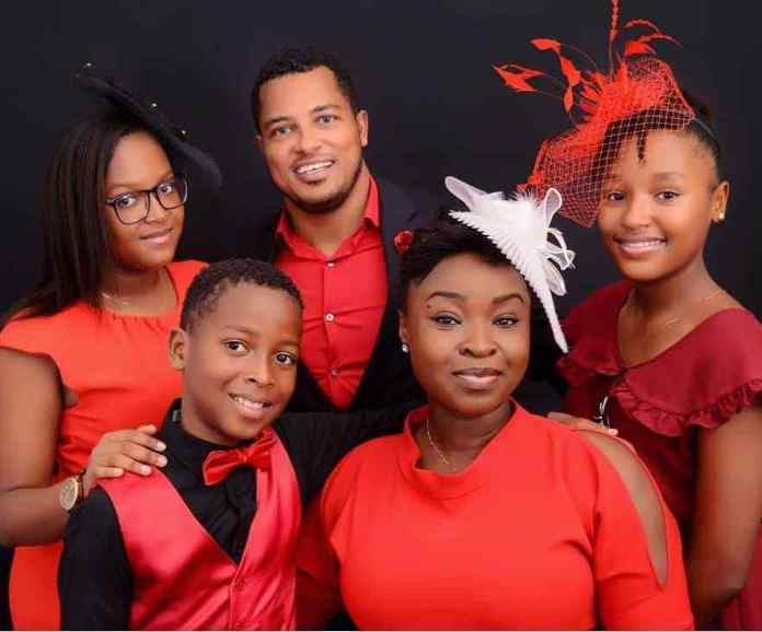 """""""Family Is Everything"""" Van Vicker Shares Beautiful Family Photos 2"""