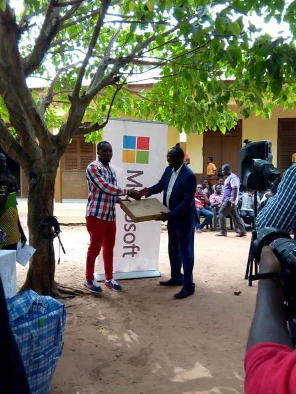 Microsoft Gives Out Free Laptops To Ghanaian School Where Teacher Drew Microsoft Word On Chalkboard 2