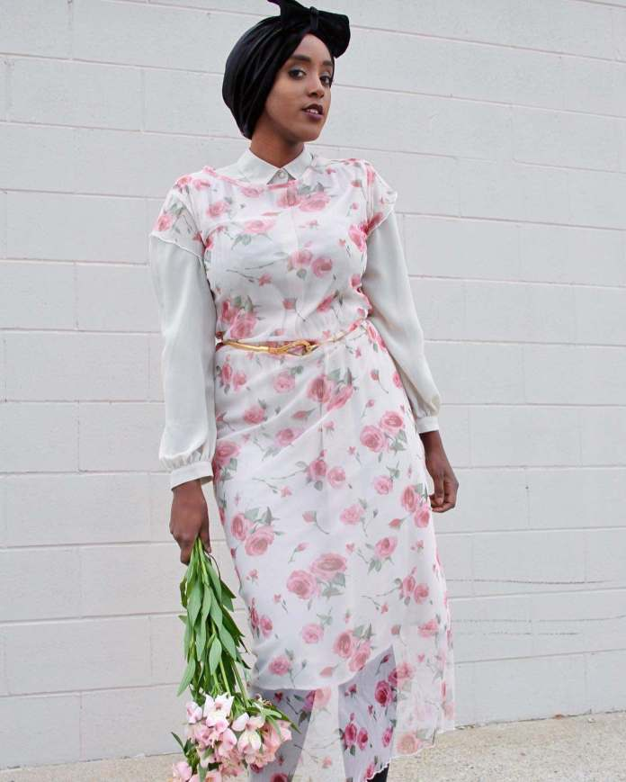 Muslimah Style: Eman Idil Bare Maintains A Clean And Fancy Hijab Style 5