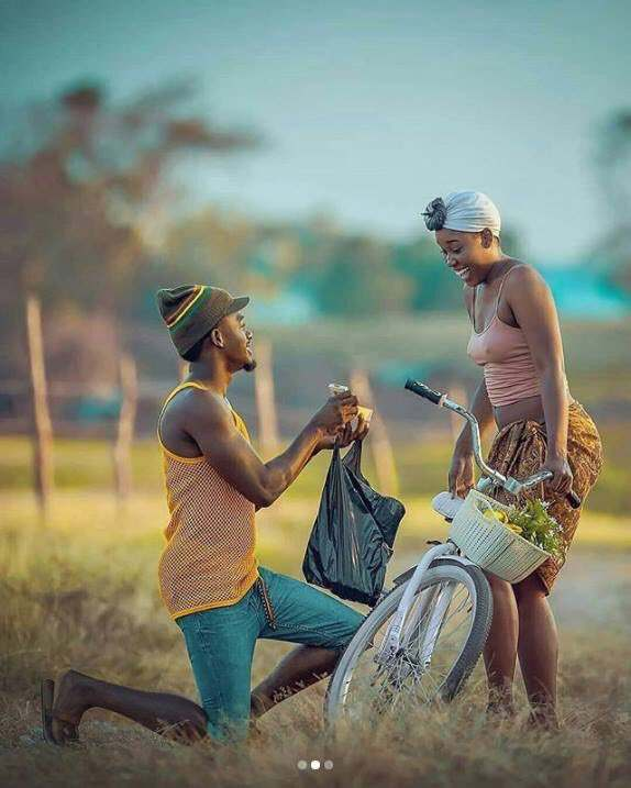 Wow! This Pre-Wedding Photos Melt Hearts With Its Creative Cultural & African Setting 2