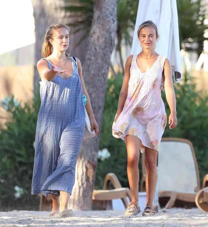 Royal Boobs! Lady Amelia Windsor Sunbathes Topless on Holiday In Ibiza 5