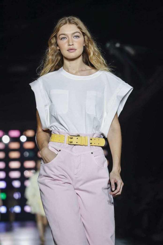 Alberta Ferretti Ready To Wear Spring/Summer 2019 At The Milan Fashion Week 5