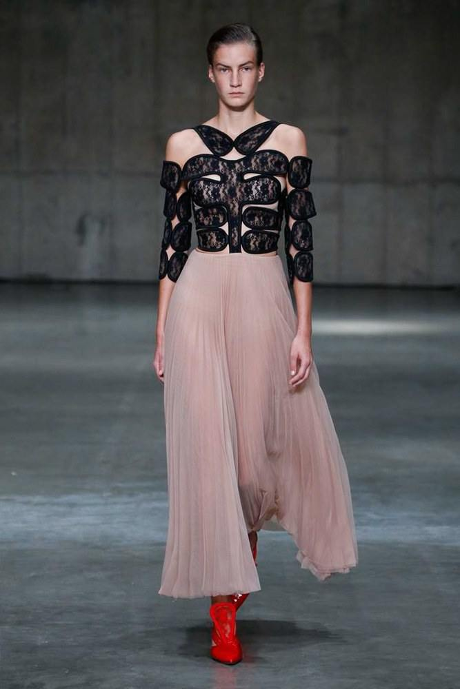 LFW: Christopher Kane Ready To Wear Spring 2019 Collection 4