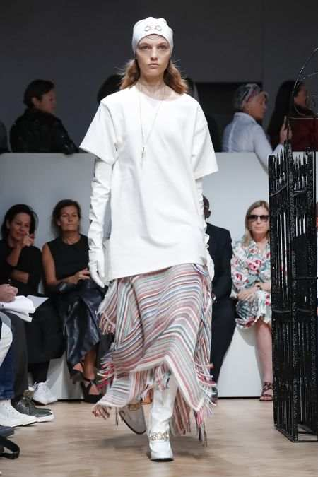 J.W Anderson Men & Women Spring Summer 2019 Collection At LFW 4