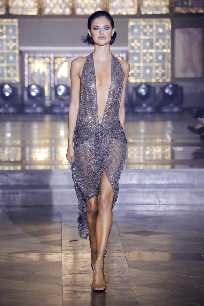 Julien Macdonald Spring 2019 Collection At London Fashion Week 31