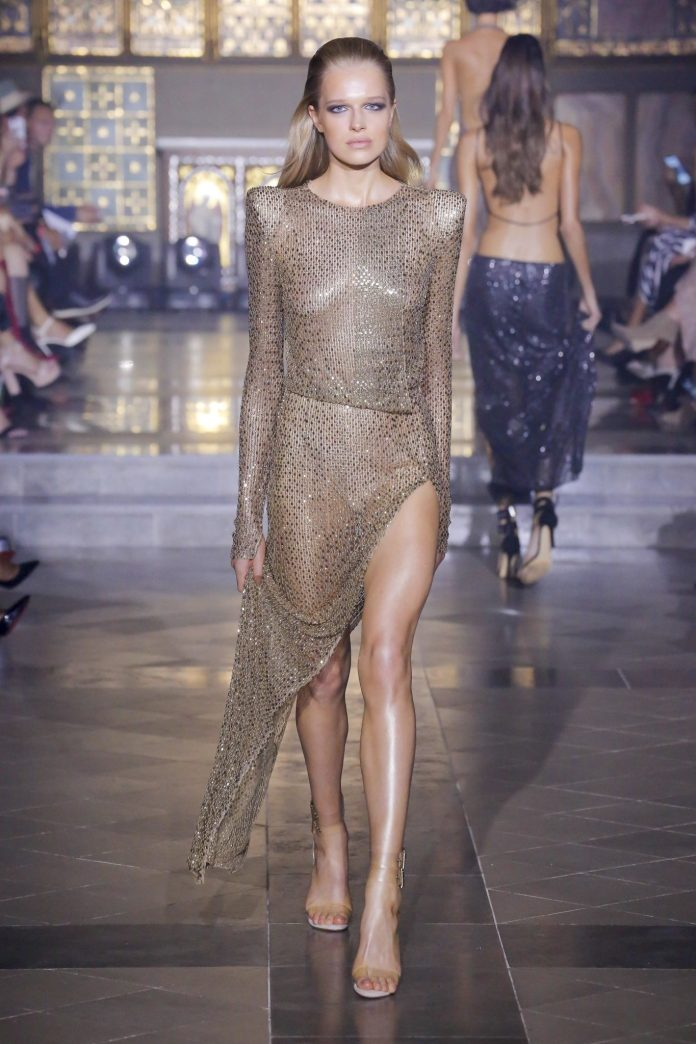 Julien Macdonald Spring 2019 Collection At London Fashion Week 35