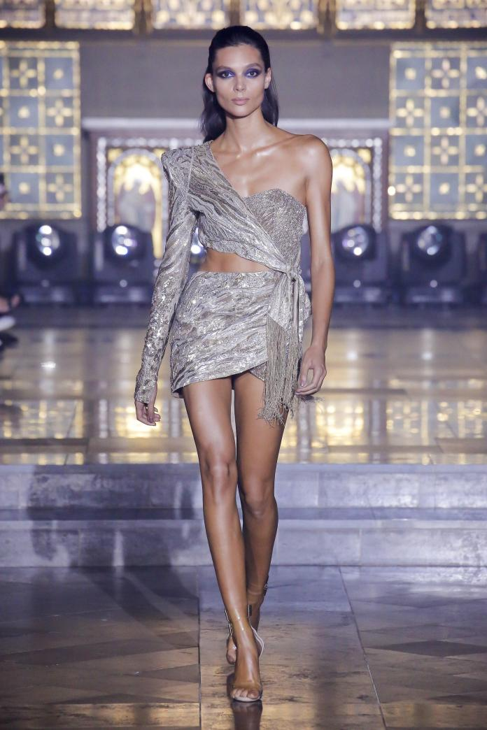 Julien Macdonald Spring 2019 Collection At London Fashion Week 4
