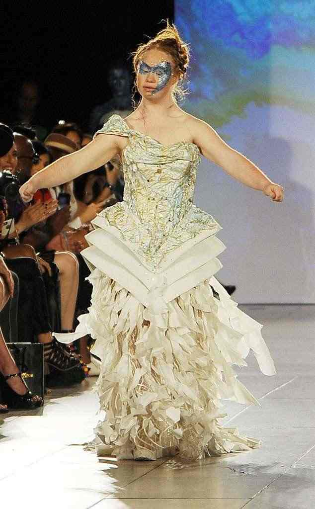 All You Need To Know About Madeline Stuart, The First Down Syndrome Model To Walk The Runway At NYFW 2