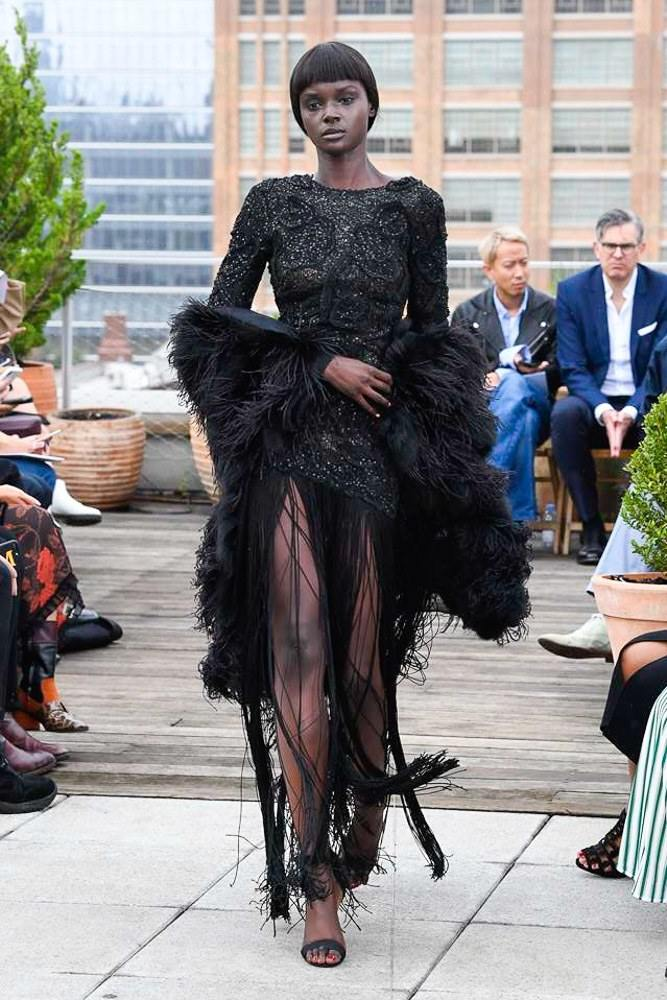 Lace, Fringe And Knitts At The Oscar De La Renta Spring 2019 Collection 17