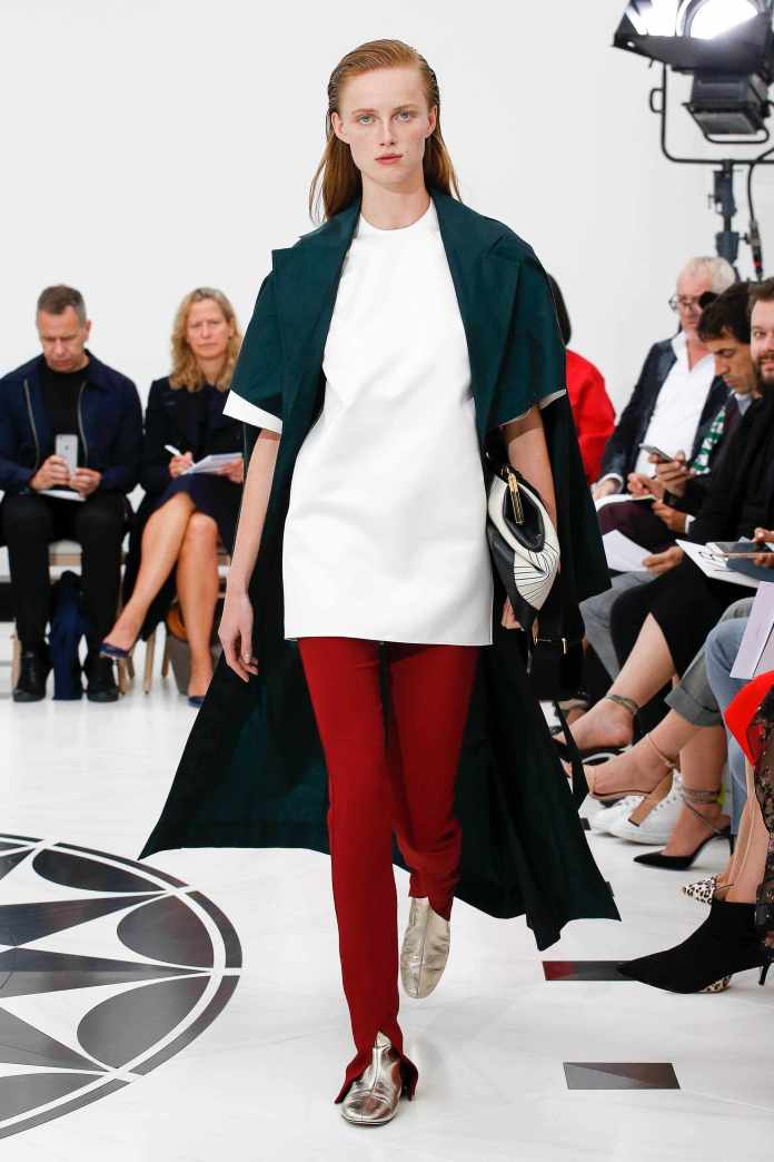 The 21st Century Woman! Victoria Beckham Spring 2019 Collection At London Fashion Week 10
